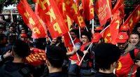 Taksim'den İşçi Sınıfının vatanından vazgeçmeyen HKP, Beşiktaş'ta yeniden toplandı. Sabah erken saatlerde sloganlarla yürüyüş yapan ve gözaltına alınan ilk ekipten sonra 2 defa daha toplandı. İkinci ekipten 37 üçüncü ekipten […]