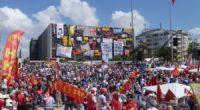 """Şanlı Gezi İsyanı'mızın 4'üncü yıldönümünde Halkın Kurtuluş Partisi olarak Taksim'deydik. Taksim Dayanışması'nın çağrısıyla yapılan eylemde tüm kinimizle haykırdık: """"Gezi Şehitleri Ölümsüzdür"""" diye. İstiklal Caddesi'nde gerçekleşen eylemde AKP'giller'in Gezi İsyanı'ndan nasıl […]"""