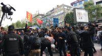 1 Mayıs'ın Anavatanı Taksim yasaklanamaz! Gözaltına alınan Yoldaşlarımız derhal serbest bırakılsın! Kurtuluş Partililer, Türkiye'nin gerçek devrimcileri, İşçi Sınıfı davasının yılmaz savunucuları, her yıl olduğu gibi bu yıl da çukurlara, dolgulara […]