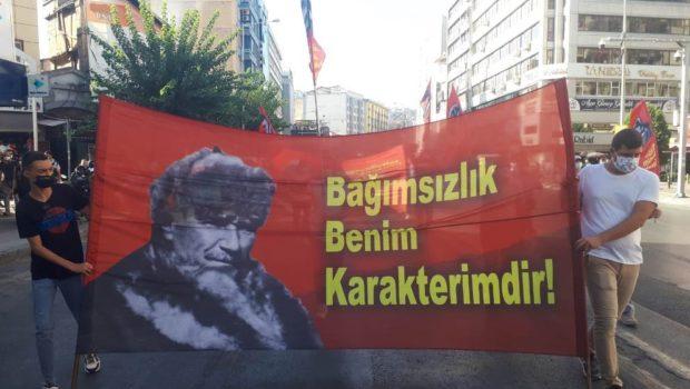 98 yıl önce emperyalizmin Batılı emperyalistlerin Yunan maskeli uşaklarını denize dökerek ülkemizin emperyalist işgalden kesince kurtuluşuna son noktanın konulduğu gündür9 Eylül 1922.  Batılı Emperyalistlerinin ve onların uşaklarının vatan topraklarımızı […]