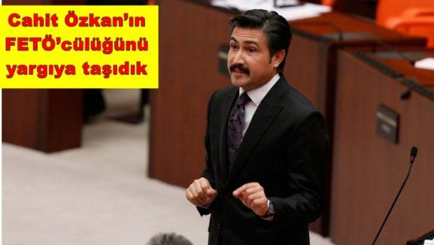 AKP sözcüsü Cahit Özkan da, AKP'giller'in Reisi başta olmak üzere bütün AKP'giller gibi, beraber elele tutuşup yürüyüp yağmur altında beraber ıslandıkları, beraber iş tuttukları zamanlarda nasıl da savunmuş, İblis'i ve […]