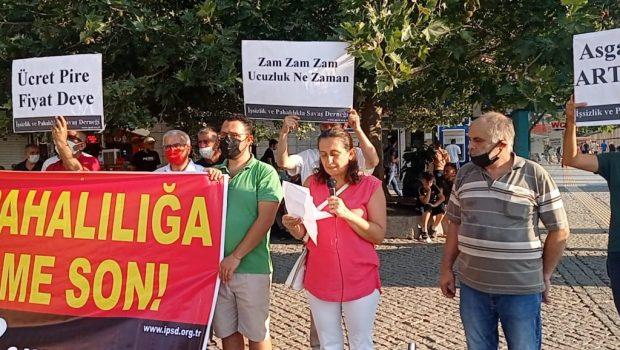 İşsizlik ve Pahalılıkla Savaş Derneği İzmir Şubesi, Konak'ta Kemeraltı girişinde AKP'giller'in son günlerde yaptığı fahiş zamları, pahalılığı ve işsizliği, yaptığı eylemle protesto etti. 26 Temmuz Pazartesi günü saat 18.30'da emperyalizme […]